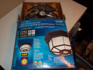 "Zenith Motion Activated Outside Light ""New"""
