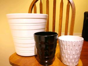 Ceramic planter for indoor
