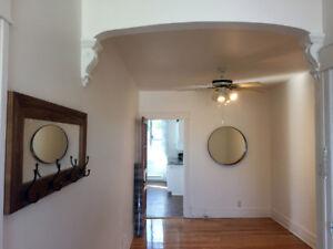 Lumineux 3ème étage, 2 chambres, électros inclus, cachet, calme