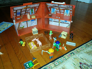 5 Assorted Farm Playmobil sets (new price) London Ontario image 6