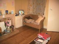 4 bedrooms in Mayville Road, Hyed Park, Leeds LS6 1NF