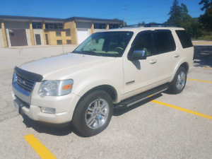 2006 Ford Explorer 4x4 loaded 183000kms