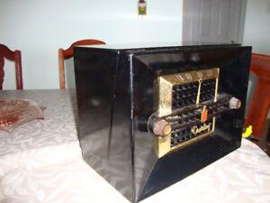 Vintage Crosley AM Radio