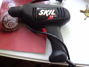 SKIL SAW AND POWER SKIL DRILL   scie & perceuse électrique