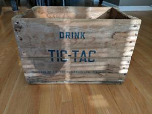 FS Rare Vintage Tic-Tac Beverages Soda Bottle Crate