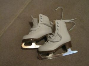 Girls Size 10 Glacier by Jackson 120 Figure Skates