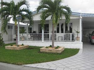 Floride Dale Village  À Vendre