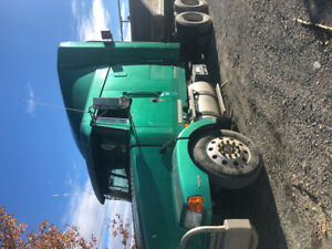 Good used condition Volvo semi to sell 1997