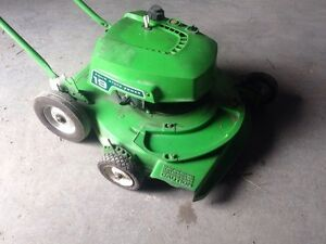 21 inch lawn boy 2 stroke lawn mower Kawartha Lakes Peterborough Area image 2