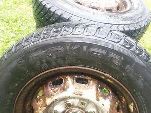 4 pneus d'hiver Nokian 155-80// R13  Sur roues de Toyota Tercel