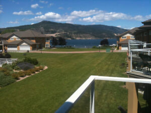 Wood Lake, Emerald Beach Villas 3 Bd Lakefront with Boat Slip