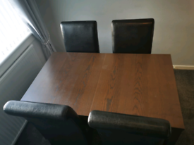 Dining table with 4 chairs (extendable)