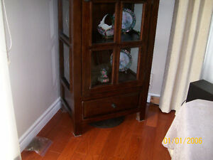 Heavy Solid Wood and Glass Curio / China / Display Cabinet Kawartha Lakes Peterborough Area image 4