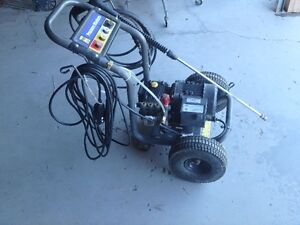 Electric pressure washer 1500 psi.