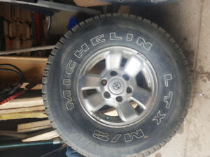michelin LTX tires 31 x 10.5 x 15   with rims