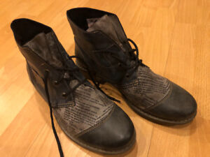 Ladies Rieker boots - almost new