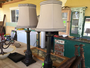 3 pc Floor lamp and two matching table lamps