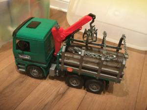 Bruder Tranport de bois / Logging Truck