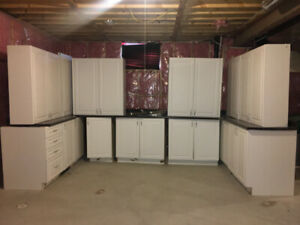 BRAND NEW WHITE KITCHEN CABINETS