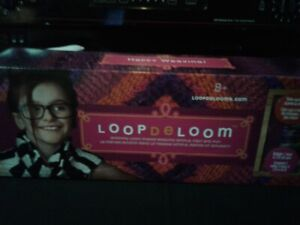 NEW Loop De Loom Spinning Weaving Craft Kit ages +8 = NEW