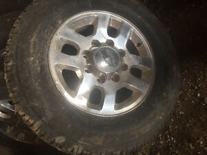 265 x 70 R 18 Tires and Rims (stock) from 2015 Chevrolet 2500