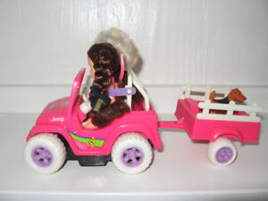 toy jeep with trailer ,2 dolls and dog