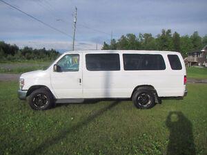 2011 Ford E-350 Minivan, Van-CERTIFIED***REDUCED***