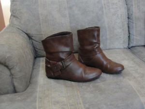 Brown Ankle Boots ** youth Girls size 5