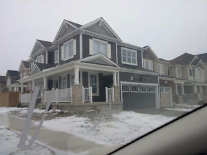 House for rent Detached Corner Brand new 3BR, 3WR Family RM
