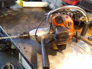 Gas powerded drill