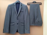 MENS BURTON SUIT IMMACULATE CONDITION