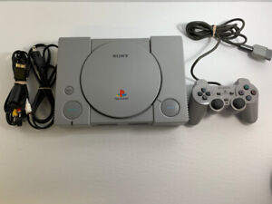 Sony PS1 PlayStation 1 Original w/ Dualshock Controller   Cables