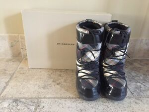 Burberry Moon Boots