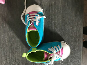 BABY GIRL SHOES & CLOTHING