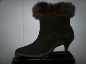 Eskiloo boots fall winter waterproof wool and fur trim mint