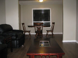 4 BEDROOM 3 BATHS DIRECT BUS ROUTE TO BROCK