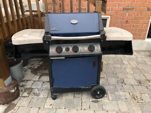 Napoleon natural gas barbecue with rotisserie in good condition