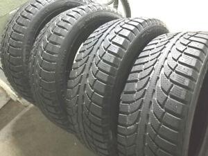 4 pneus d'hiver  CHAMPIRO 225/60R17