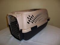 Pet Mate Medium Crate - Like New!