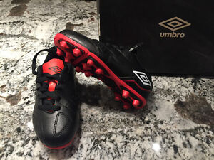 BRAND NEW - UMBRO Kid's Soccer Shoes - 40 PAIRS - Various Sizes