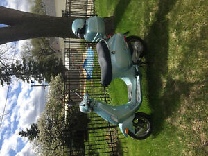 Vespa Piaggio 50LX Scooter For Sale