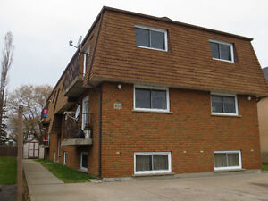 SPACIOUS 2BR - BALCONY - GOOD SOUTHSIDE LOCATION!