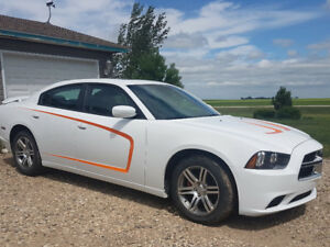 Like NEW 2014 SXT Dodge Charger