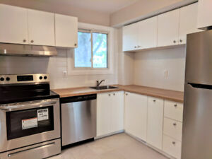 Turn key 2 bed + den town home ready for great tenants