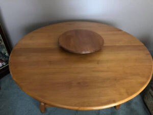 Roxton Solid Maple Dining room Table & 6 Chairs