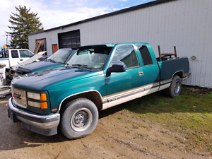 Parting out 1997 gmc sierra 15002wd with a 350v8