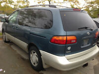 TOYOTA SIENNA 2000,, MODEL LE,,, 1450$