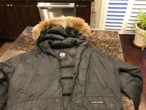Canada goose bomber jacket in excellent condition