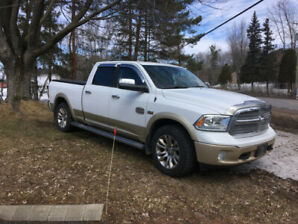 PICK UP RAM 2014  V8 5.7 litres  2 TONS