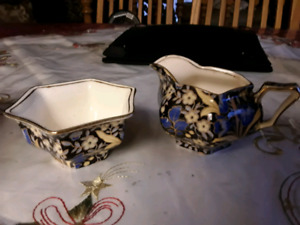 Grimwades Blue Lily Cream and Sugar set